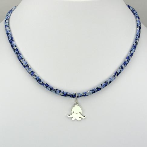 Petite pieuvre sur collier Liberty