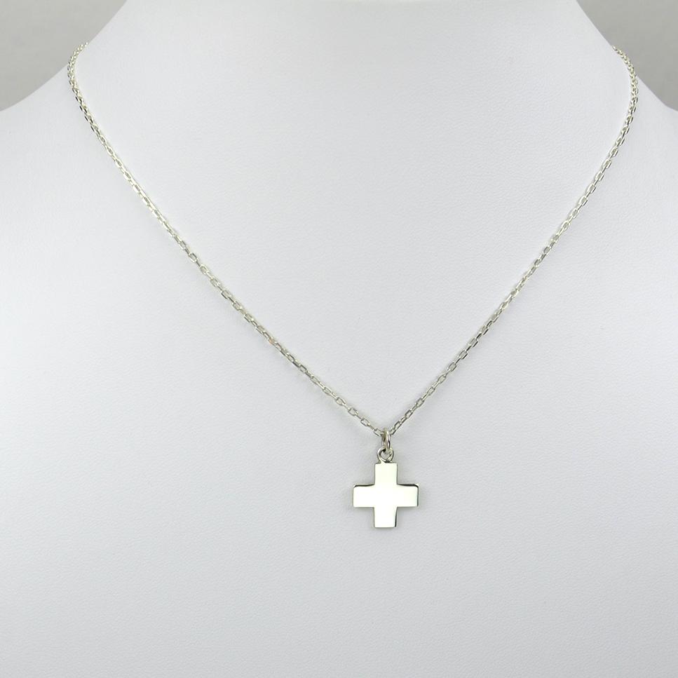 Croix sur chaîne argent