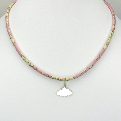 Pendentif Nuage sur collier Liberty