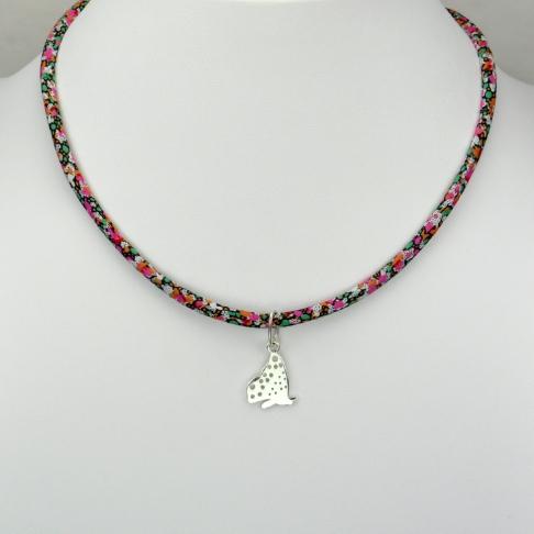Papillon sur collier Liberty