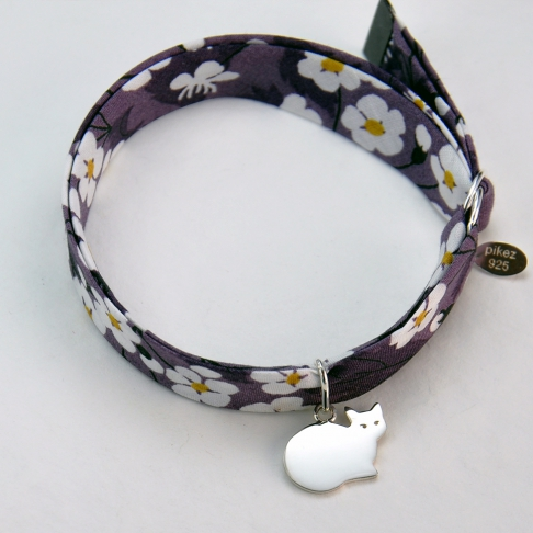 Chat sur bracelet Liberty