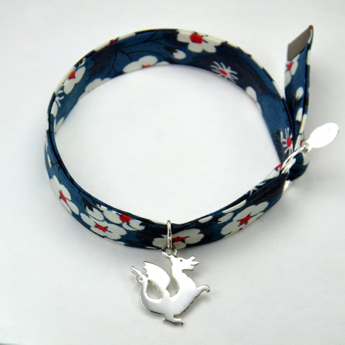 Charms Dragon sur bracelet Liberty