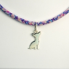 Pendentif Chihuahua sur collier Liberty