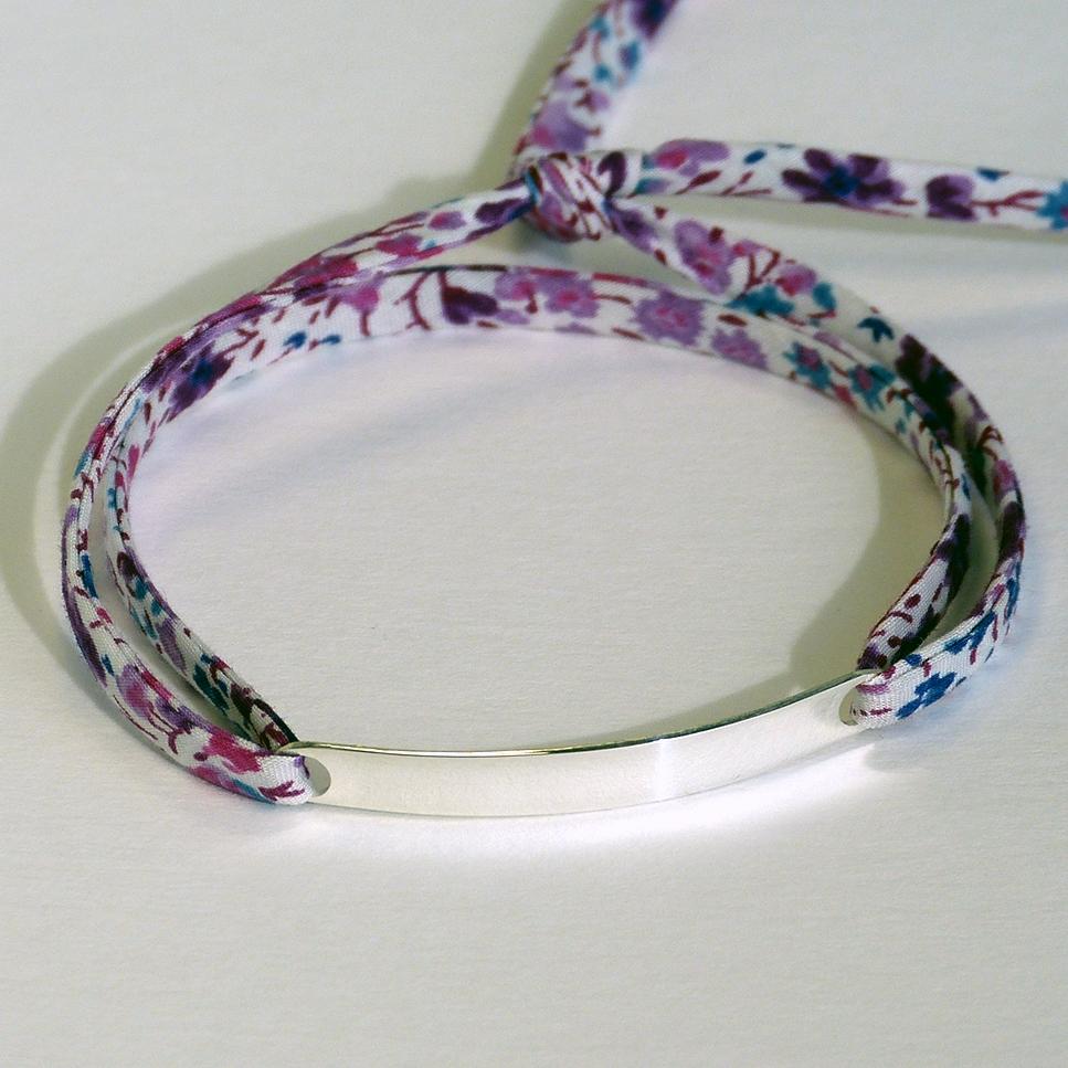 Bracelet à personnaliser: 16 caractères