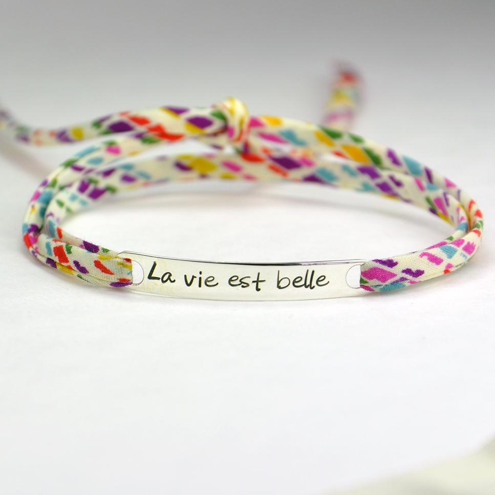"""Bracelet message """"La vie est belle"""""""