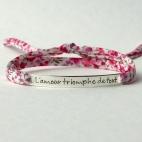 """Bracelet message """"L'amour triomphe de tout"""""""