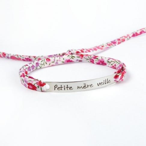 """Bracelet message """"Petite mère veille"""""""
