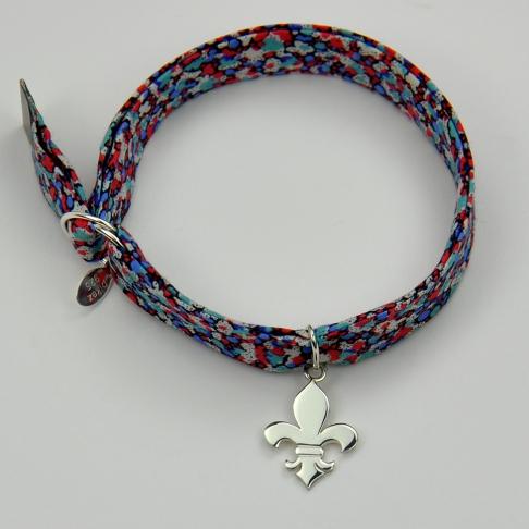 Charms Fleur de lys sur bracelet Liberty