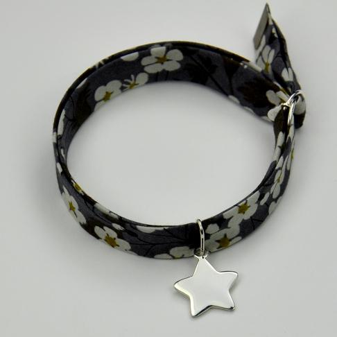 Charms Etoile sur bracelet Liberty
